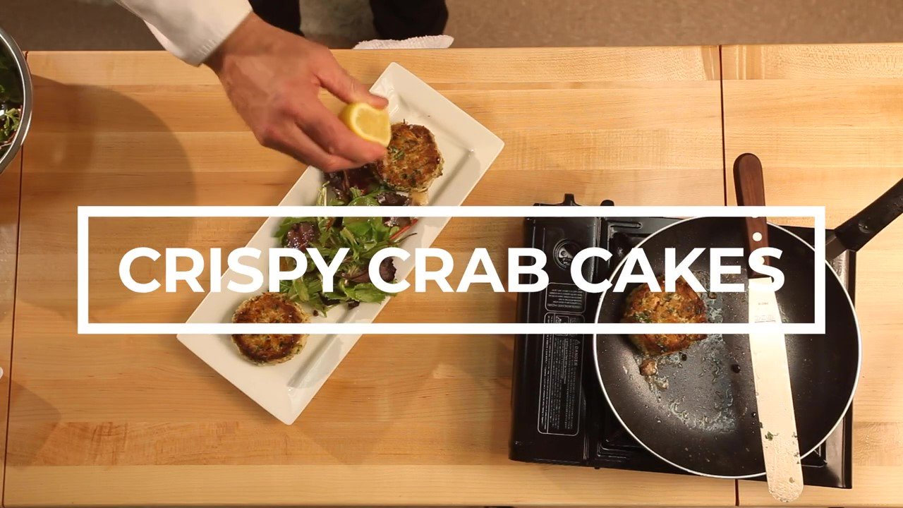 How To Make Crab Cakes - Easy and Delicious!_Moment